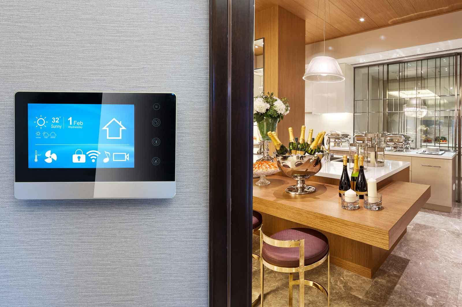 Thermostat smart screen with smart home