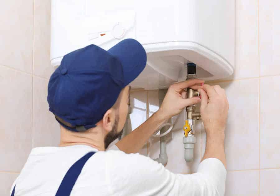 Heat repairman fixing heat